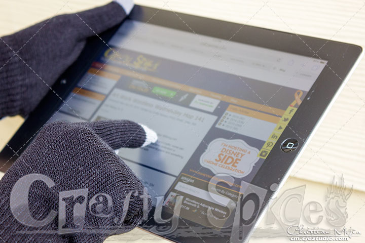 Texting Gloves for Smartphone & Touchscreen - iPad very responsive