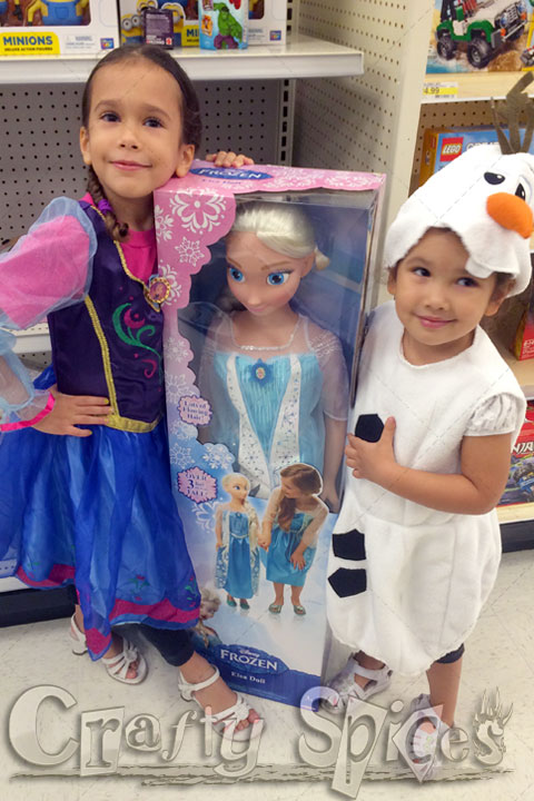 Ana, Elsa and Olaf